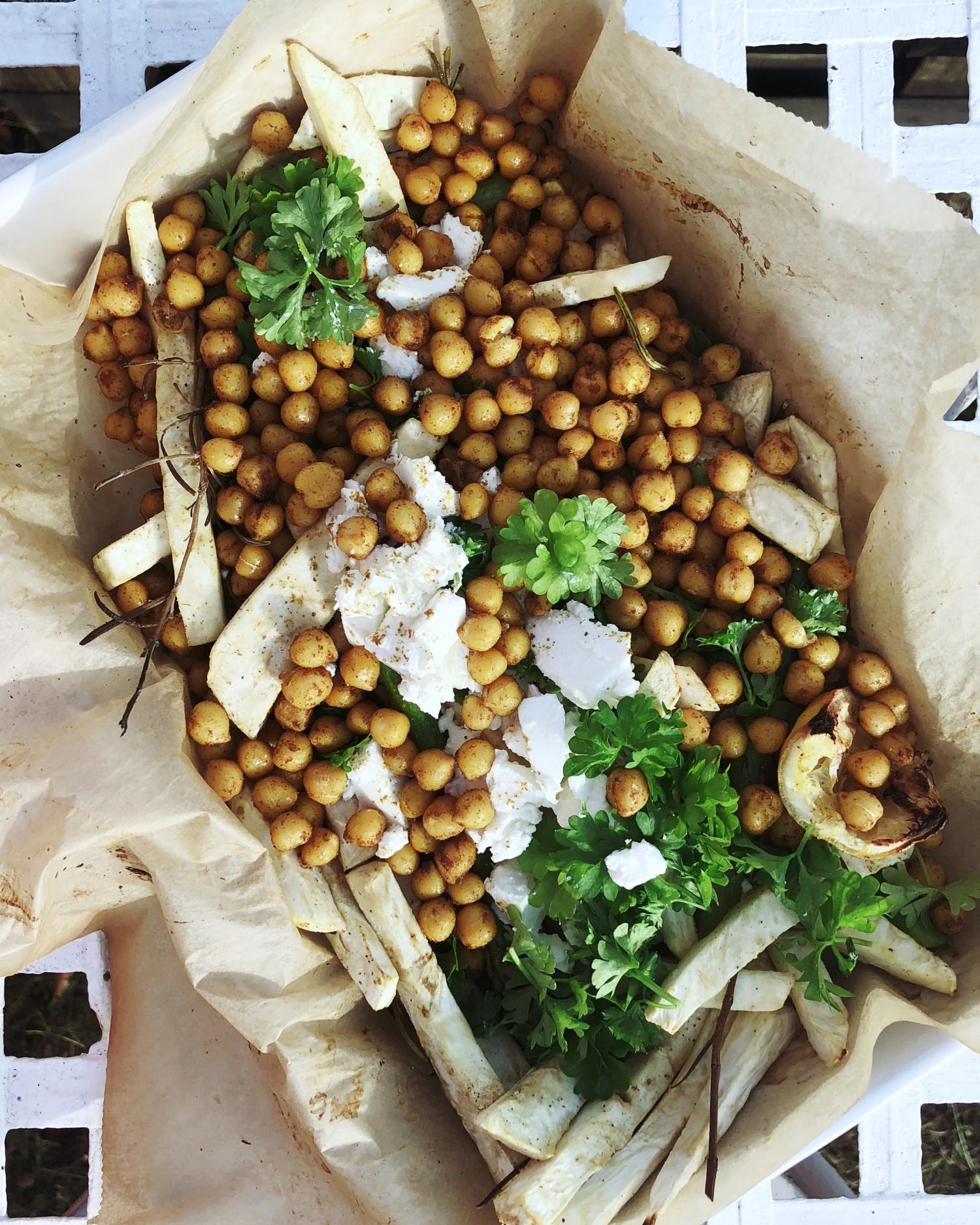 kikærter og knoldselleri salat