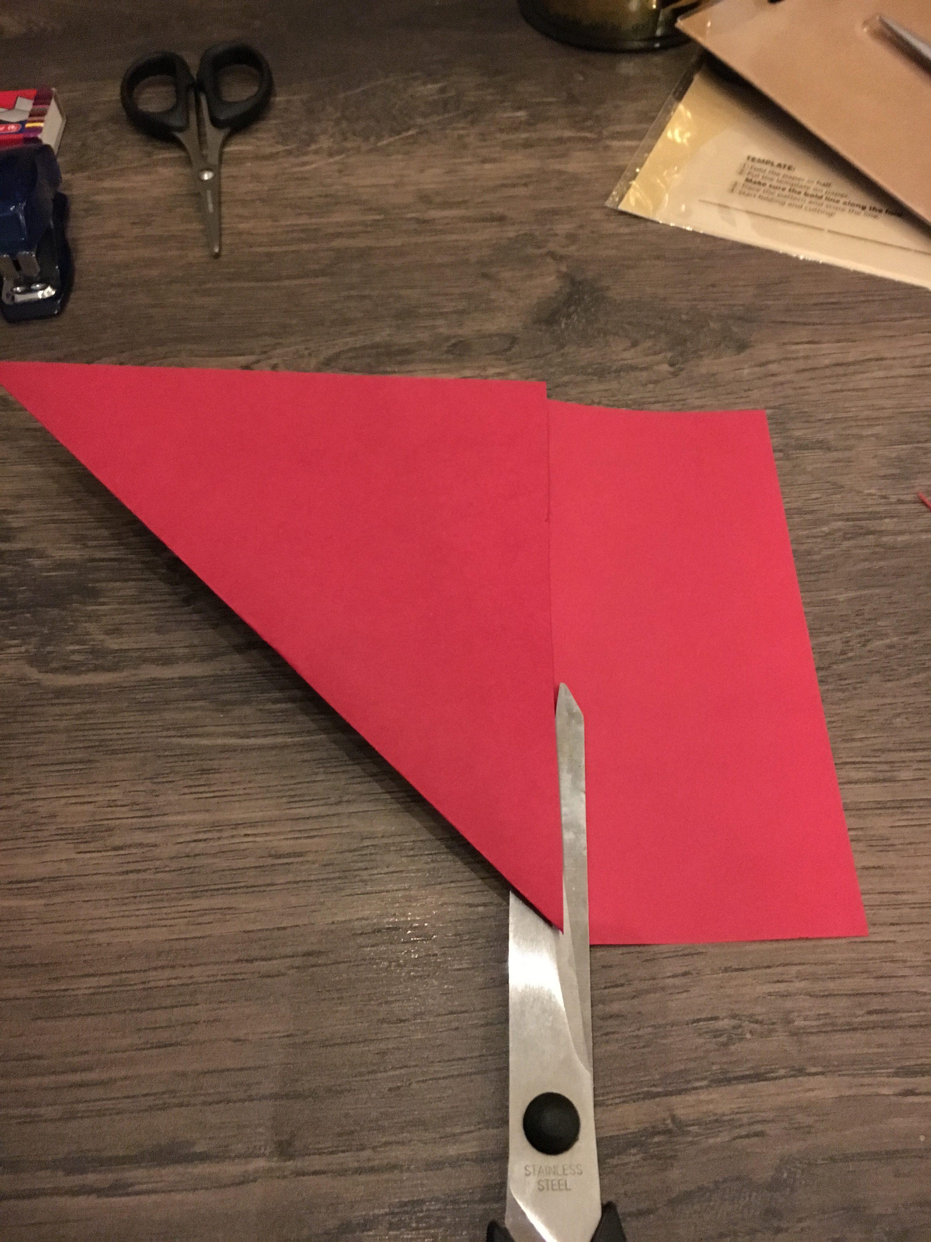 Klip det overskydende papir af