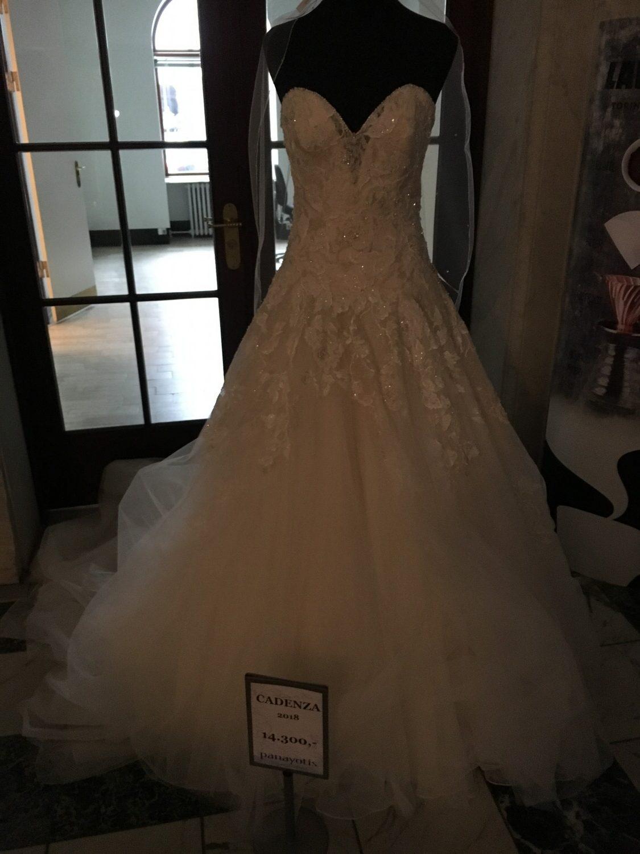 En af de smukke kjoler der var udstillet