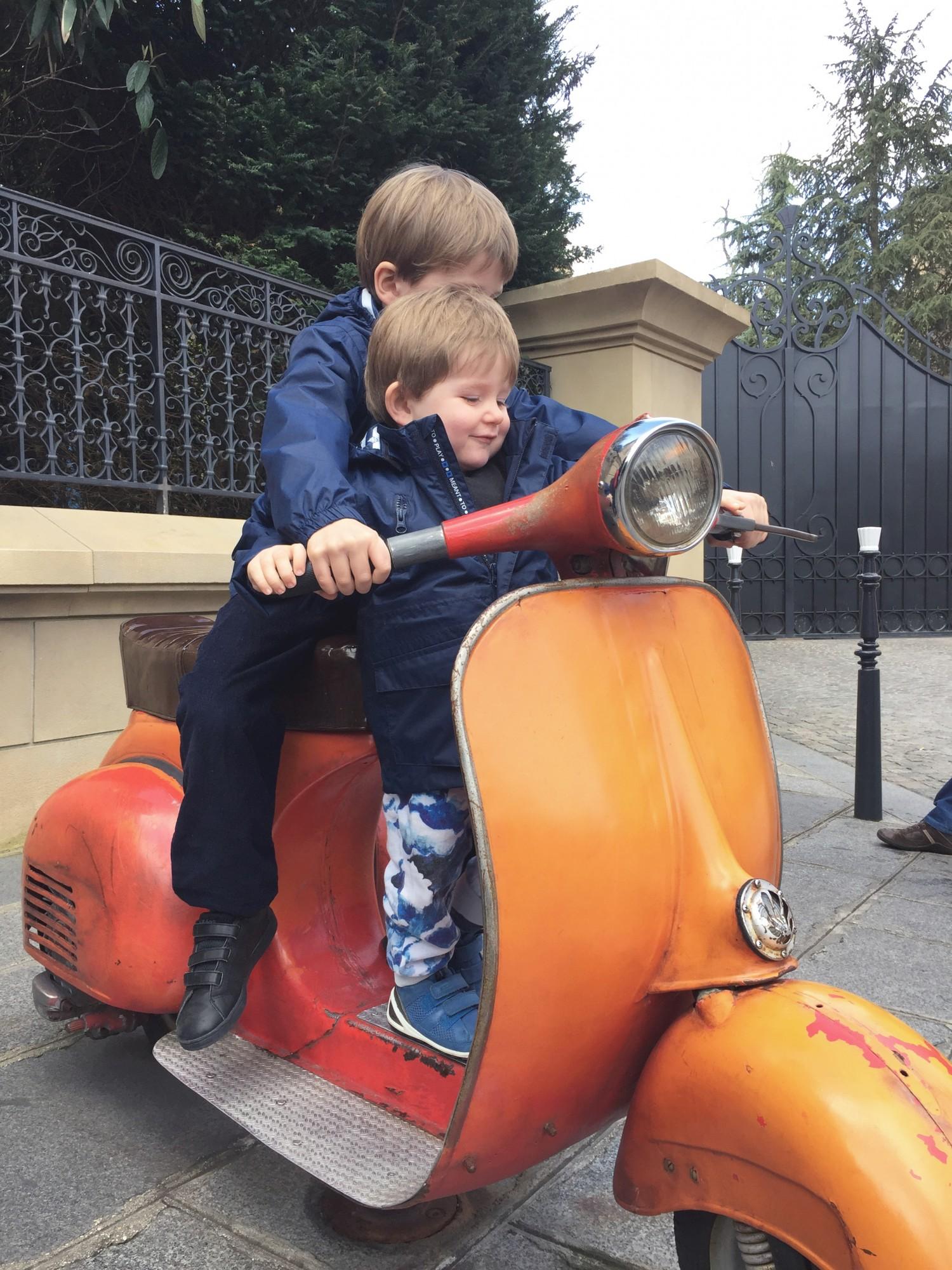 disney-scooter
