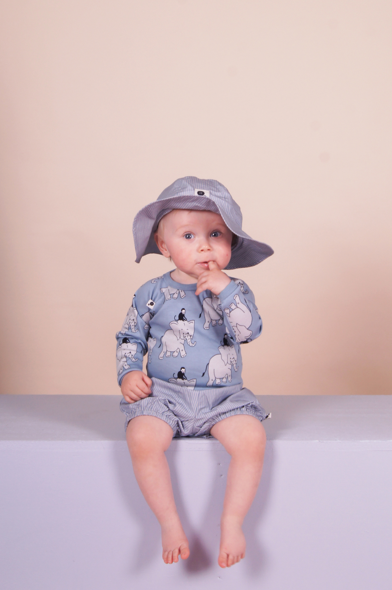 ss17-krutter-elephant-interlock-body-ls-and-blue-and-grey-striped-shorts-and-sunhat