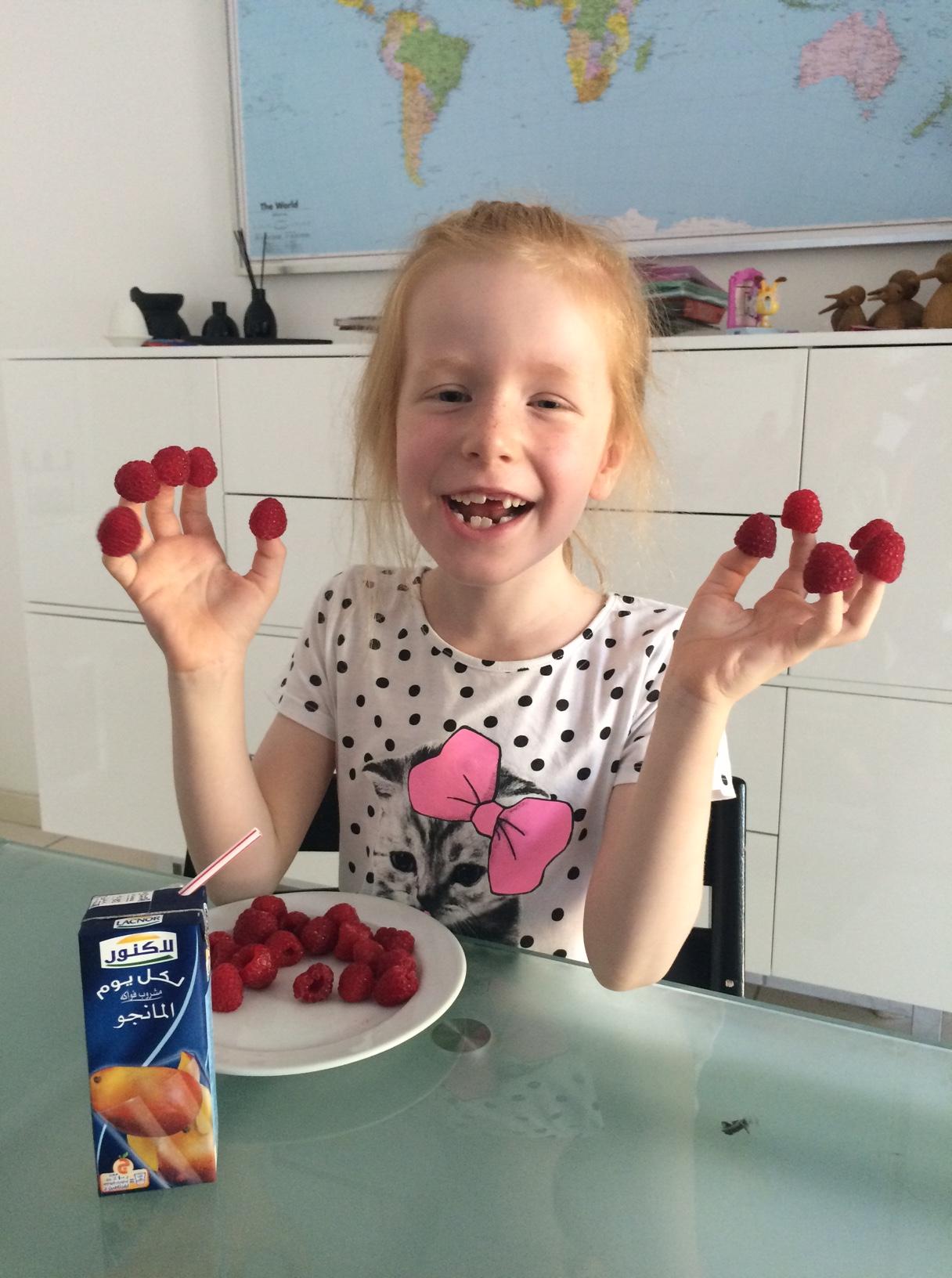 Cille med hindbær