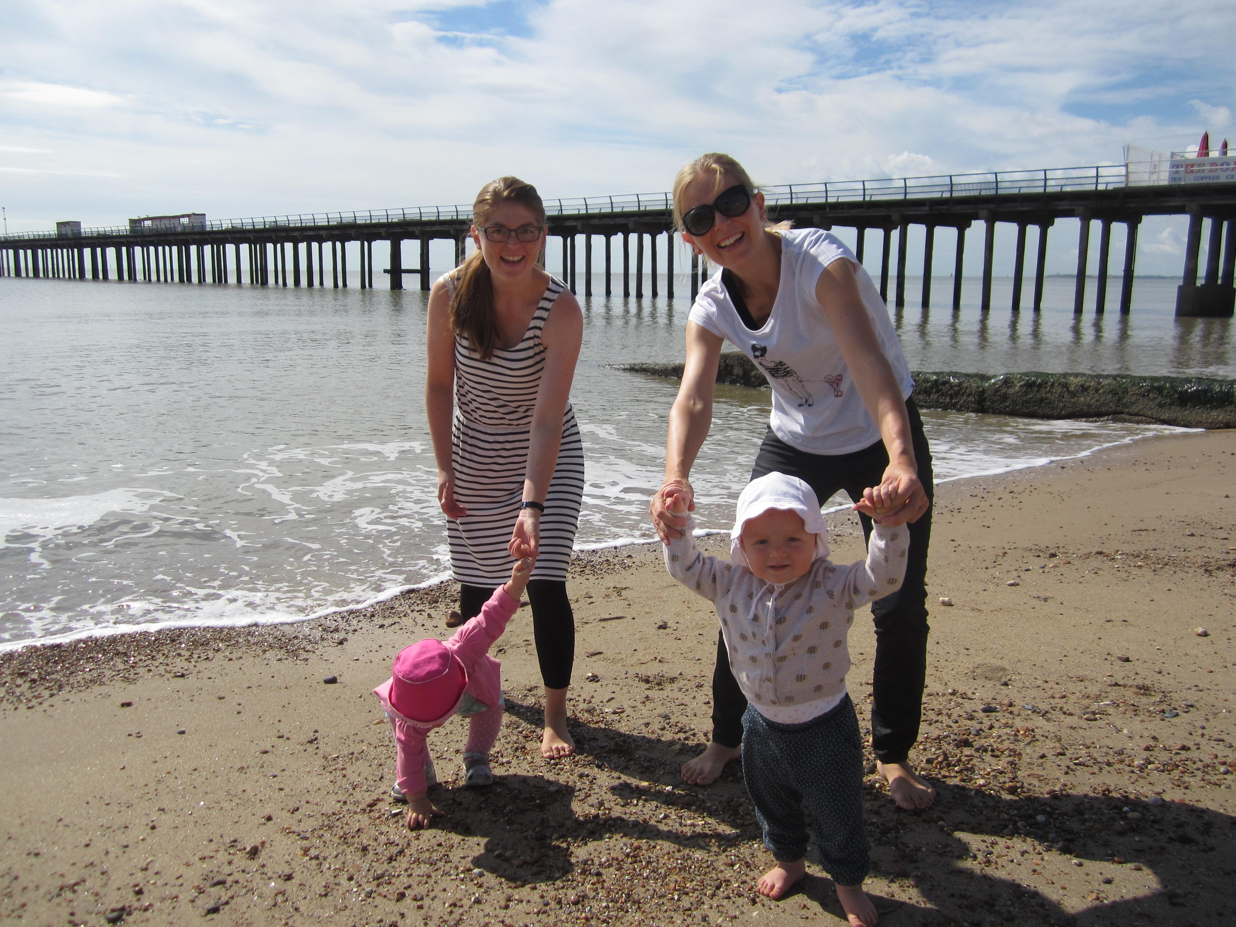 På stranden m Fam Nissen 4