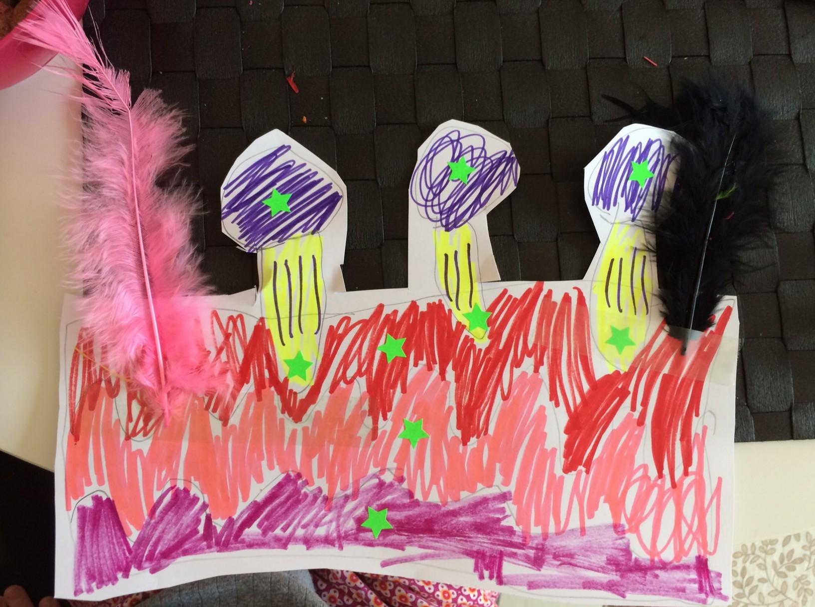 Cilles tegning af en fødselsdagslagkage med 3 lys