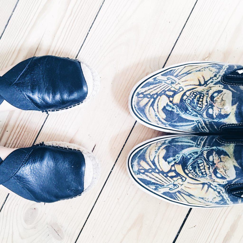 Flytter sammen, sådan er kærligheden, parforhold, iron maiden, sko, rock, vans,