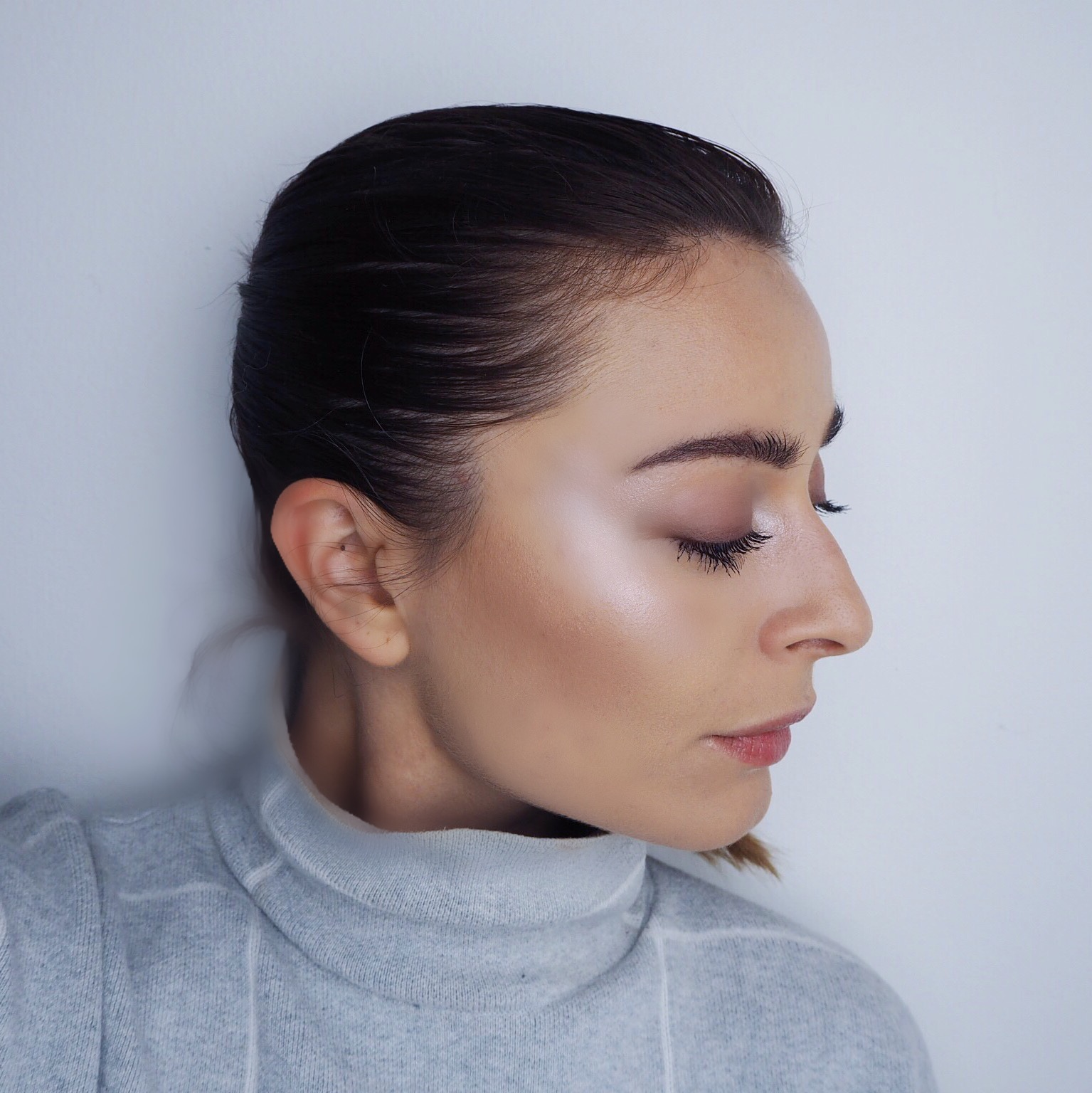 www.nellenoell.dk highlighter makeuptips naturlig glød makeup makeup tips