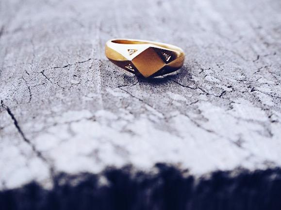 en ny rejse og en ny ring nelle noell nelle noel nelletanker bali blogger på fuldtid guldring brillianetr christina olsen palmer 100% blogger jewerly