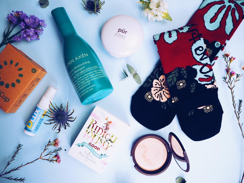 januar favoritter økologisk pleje til håret vegansk slik snacks verdesnackbox rihanna sokker organiccup menstrustionskop hygiejnisk menstrustion vegansk makeup