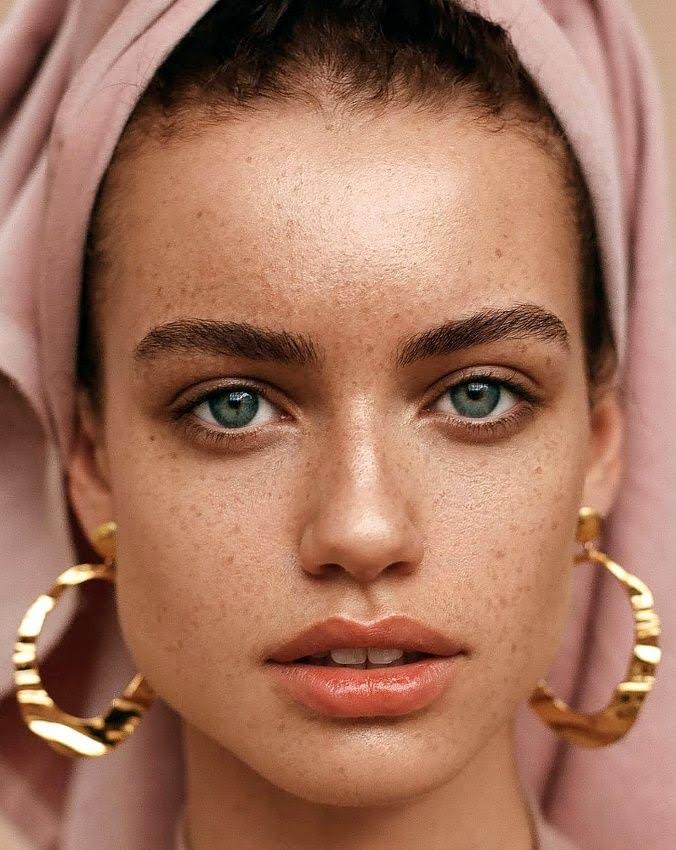 makeup trends freckles fregner how to