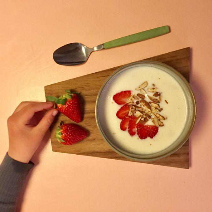opskrift på kærnemælkskoldskål uden æg