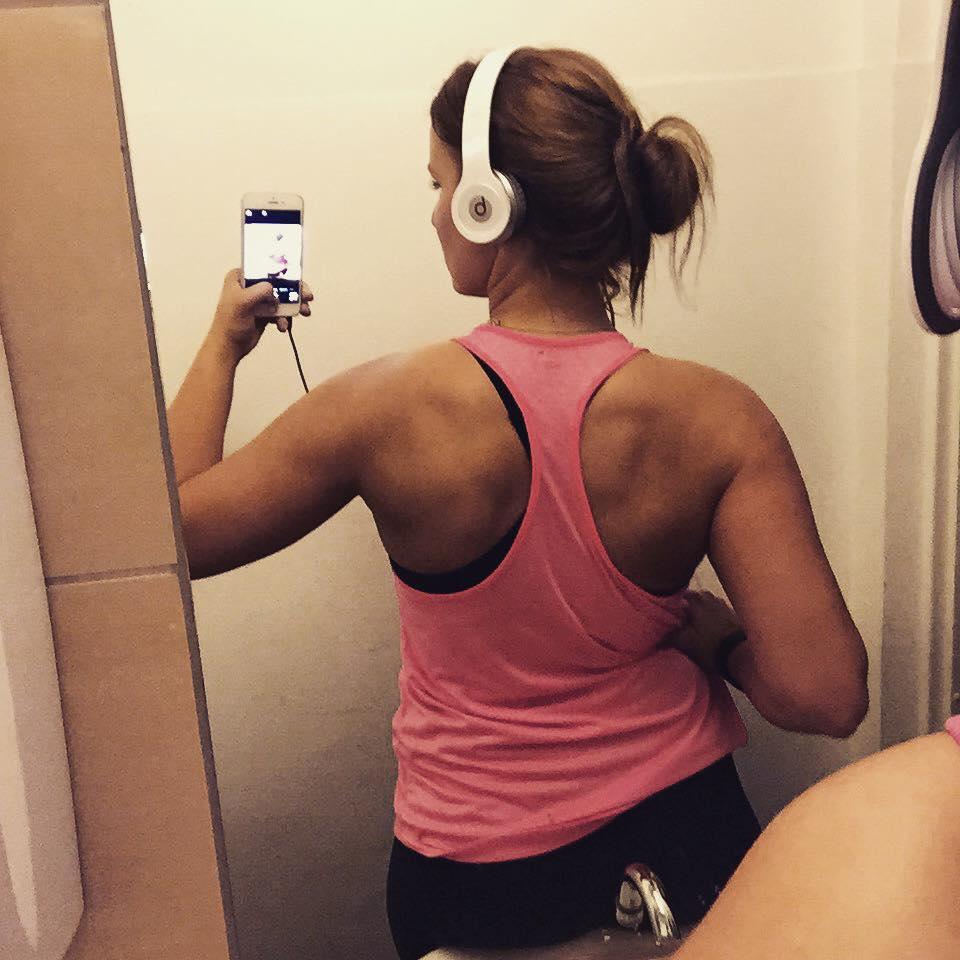 fitnessblog-back-trinetheodora-selfie-1