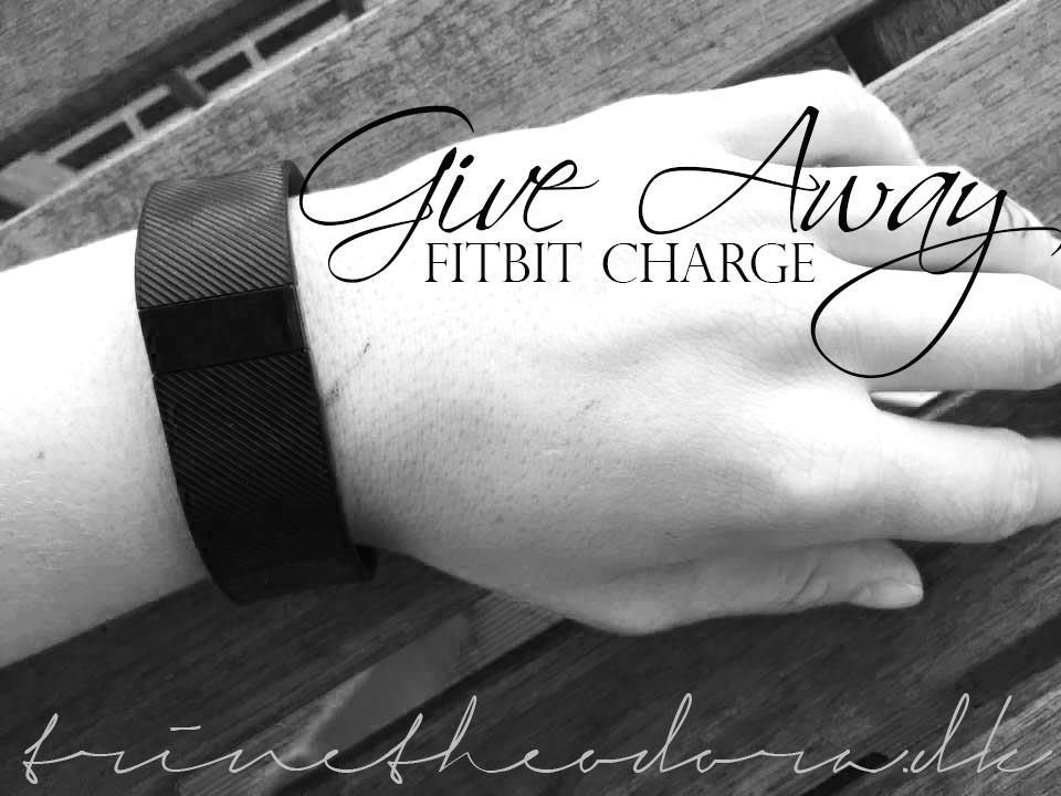 fitbit-charge-fitnessblog-trinetheodora copy