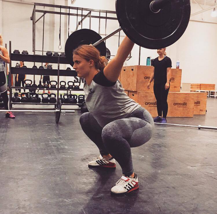 snatch-overhead-squat-vaegtloeftning-trinetheodora-fitness-crossfit