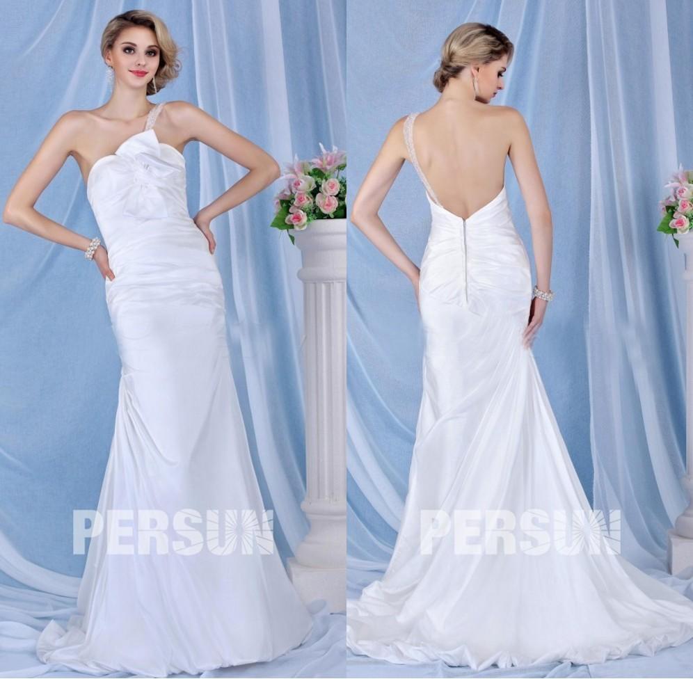 robe mariée sirène en satin décolleté asymétrique à dos nu