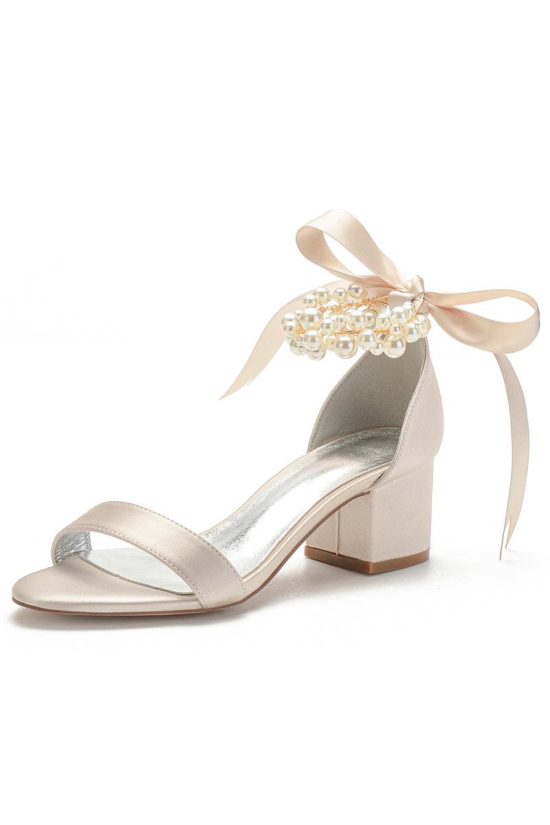 Sandales champagne à talon épais bride perlée noeud