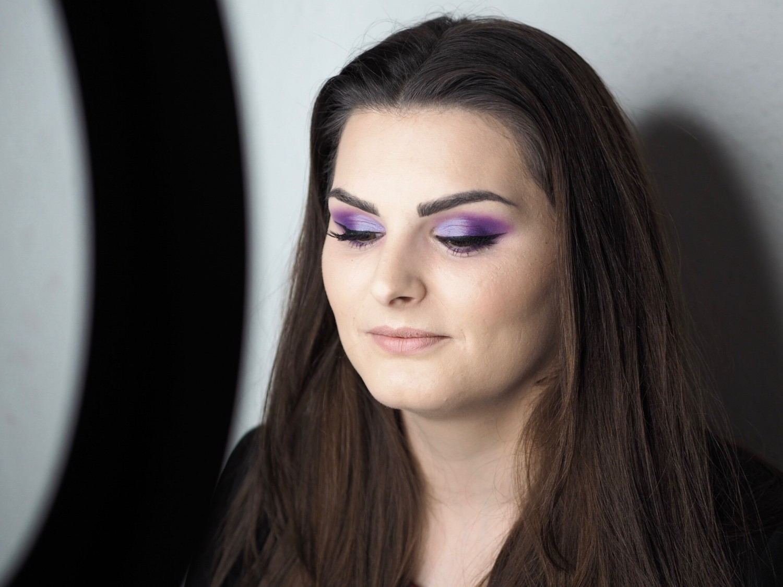 Purple glam make-up