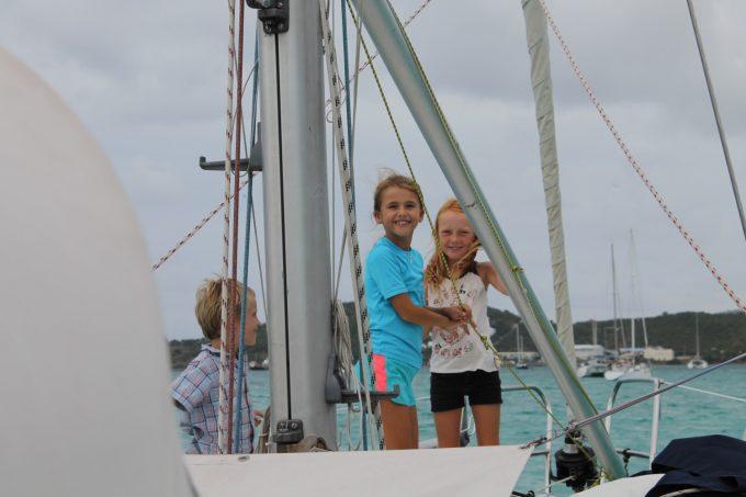 Liva og Marie på 7Seas med Fritz fra den tyske båd Beluga.