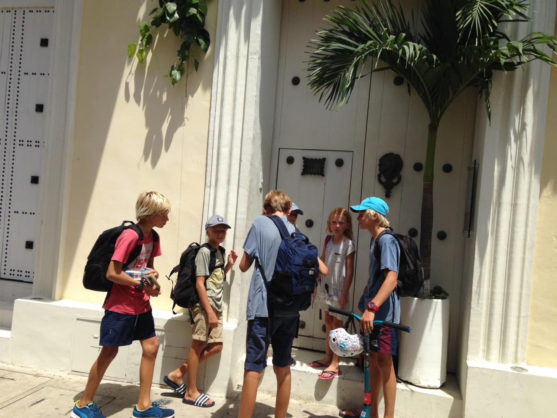 Hele banden klar på at rykke på hotel og opleve et par dages luksus i Cartagena