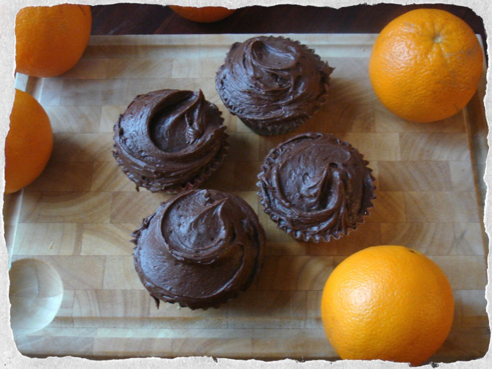 Cupcakes homemade, chocolate-orange