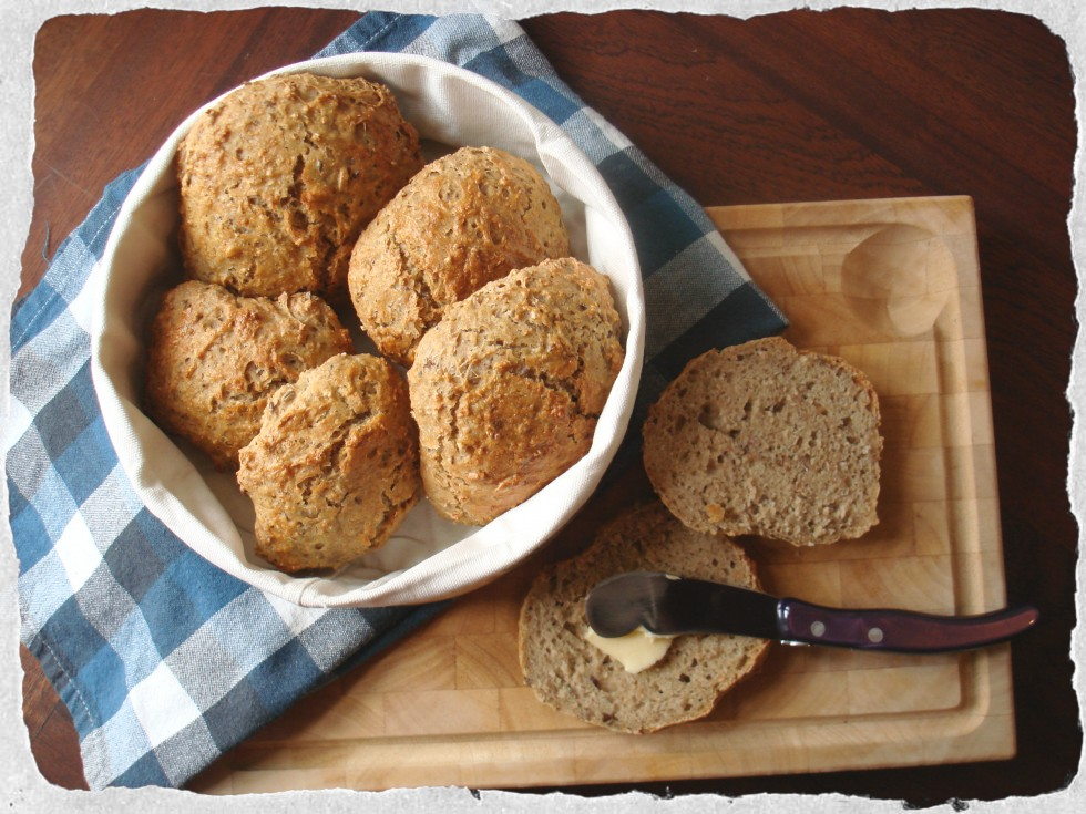 Oatmeal and five grain rolls