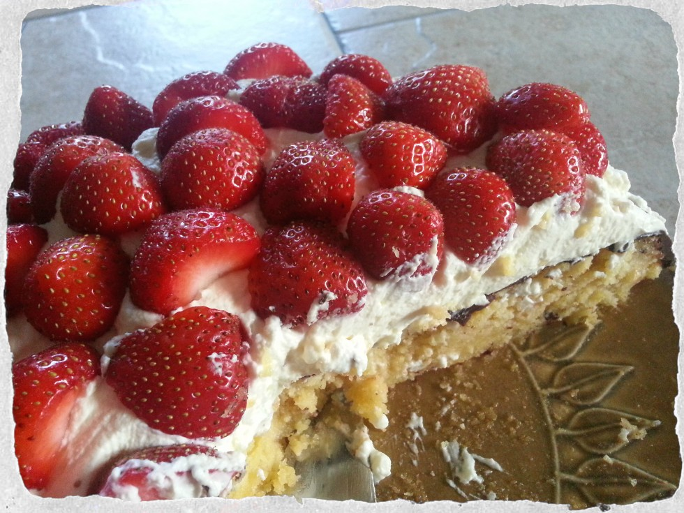 Strawberry cake with marzipan and cream