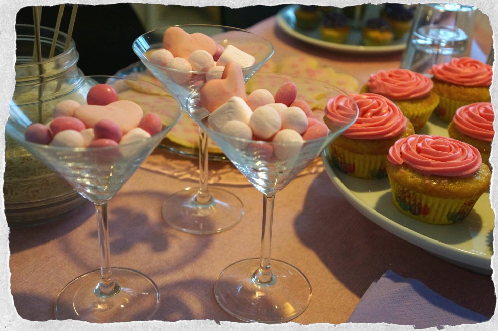 sweet treats at pink babyshower