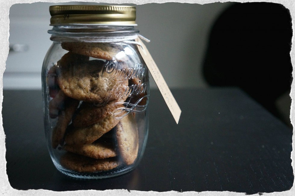 Hostess gift cookies in a jar