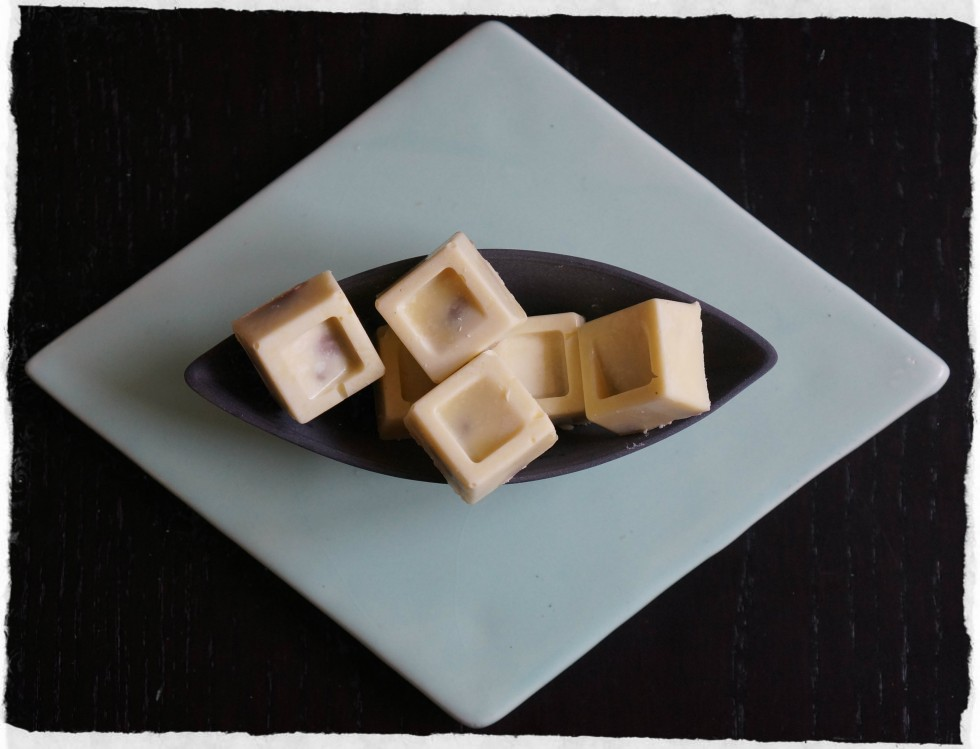 White chocolate with hazelnut truffel