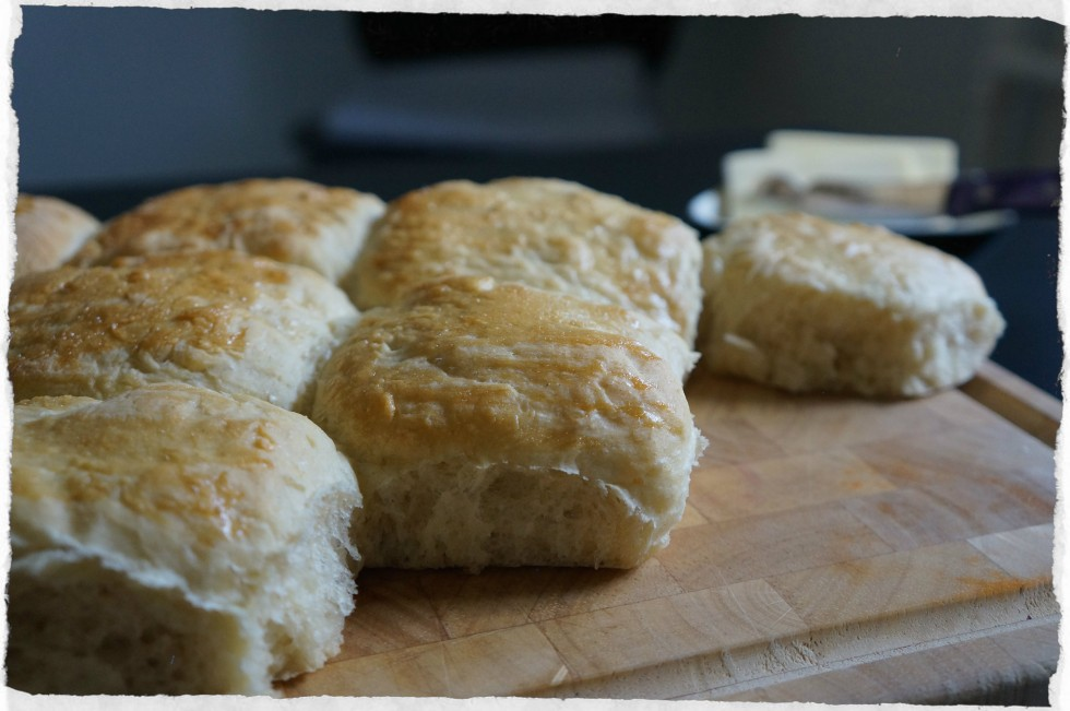 Caramom rolls