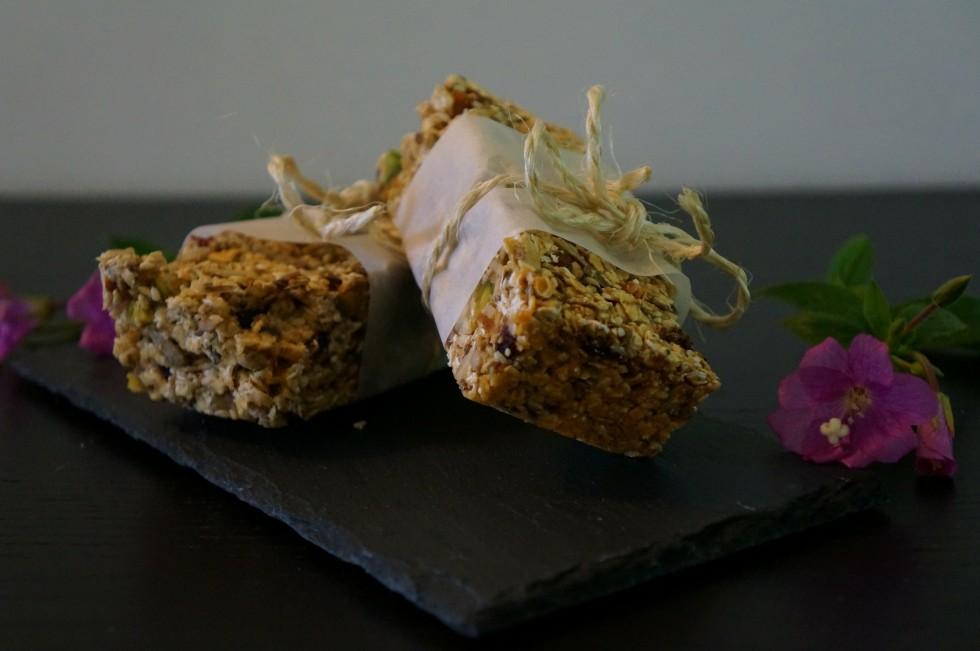 Granola bars with condensed milk