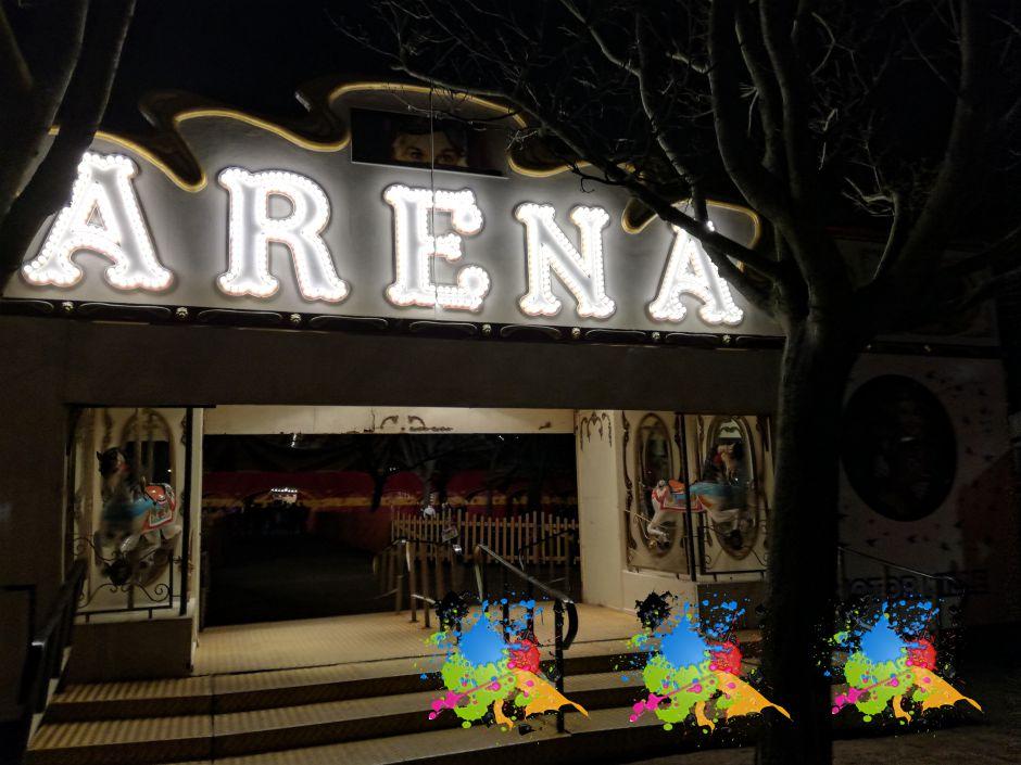 Arenas flotte skilt ved indgangen til Cirkuspladsen Bellahøj