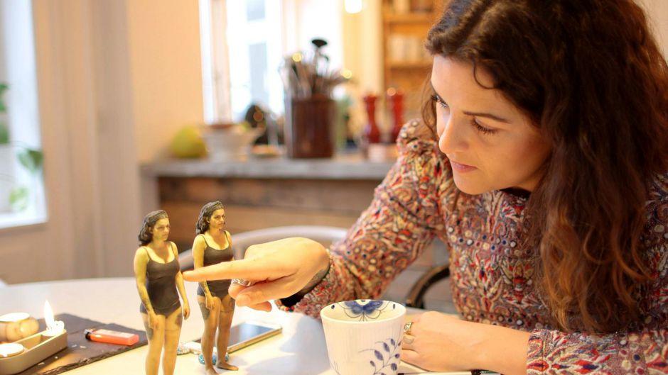 Petra har fået lavet en 3D model af sig selv i Petra elsker sig selv. Foto: DR Ung