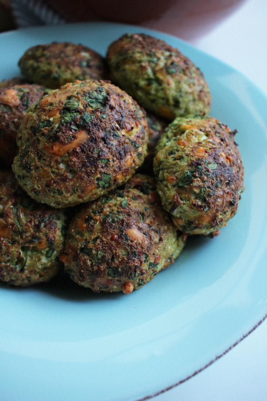 Grøntsagdeller med blomkål, spinat og cheddar simple og nemme at lave