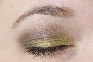 MAC Lucky Green, Chocolate Brown pigment og Vanilla pigment