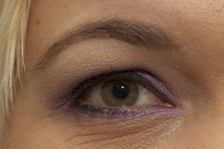 Korres øjenskygge i Purple og Soft eyeliner i sort