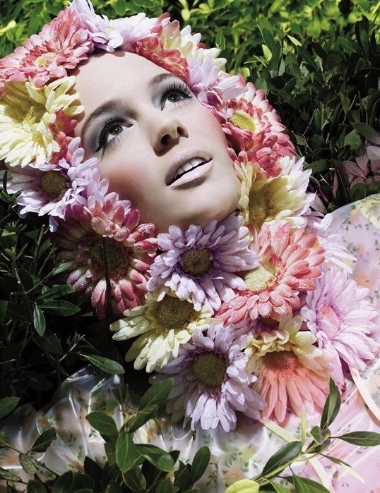 MAC Fashion Flower