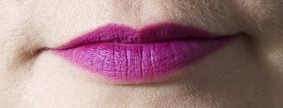 MAC Lip Pencil i farven Magenta med Bobbi Brown Lip Balm SPF 15