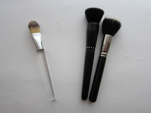Clinique foundation pensel, MAC 187 Duo Fibre Brush og Nilens Jord Black Diamond Line Powder Brush