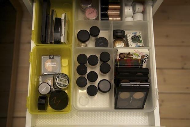 Makeup skuffe med øjenskygger