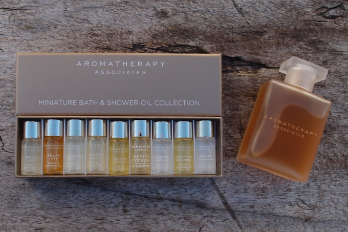 Aromatherapy Associates Miniature Bath & Shower Oil Collection og Support Breathe Bath & Shower Oil