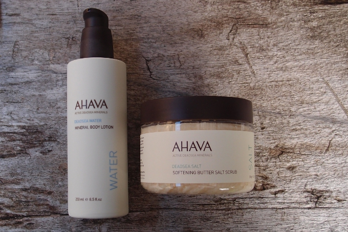 Ahava Deadsea Salt Softening Butter Salt Scrub og Deadsea Water Mineral Body Lotion