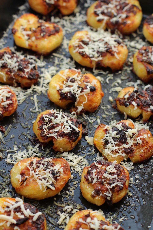 Ovnbagte parmesan og hvidløgs kartofler