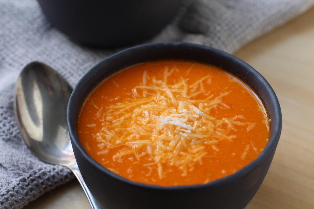 alt - Tomat suppe med sød kartoffel