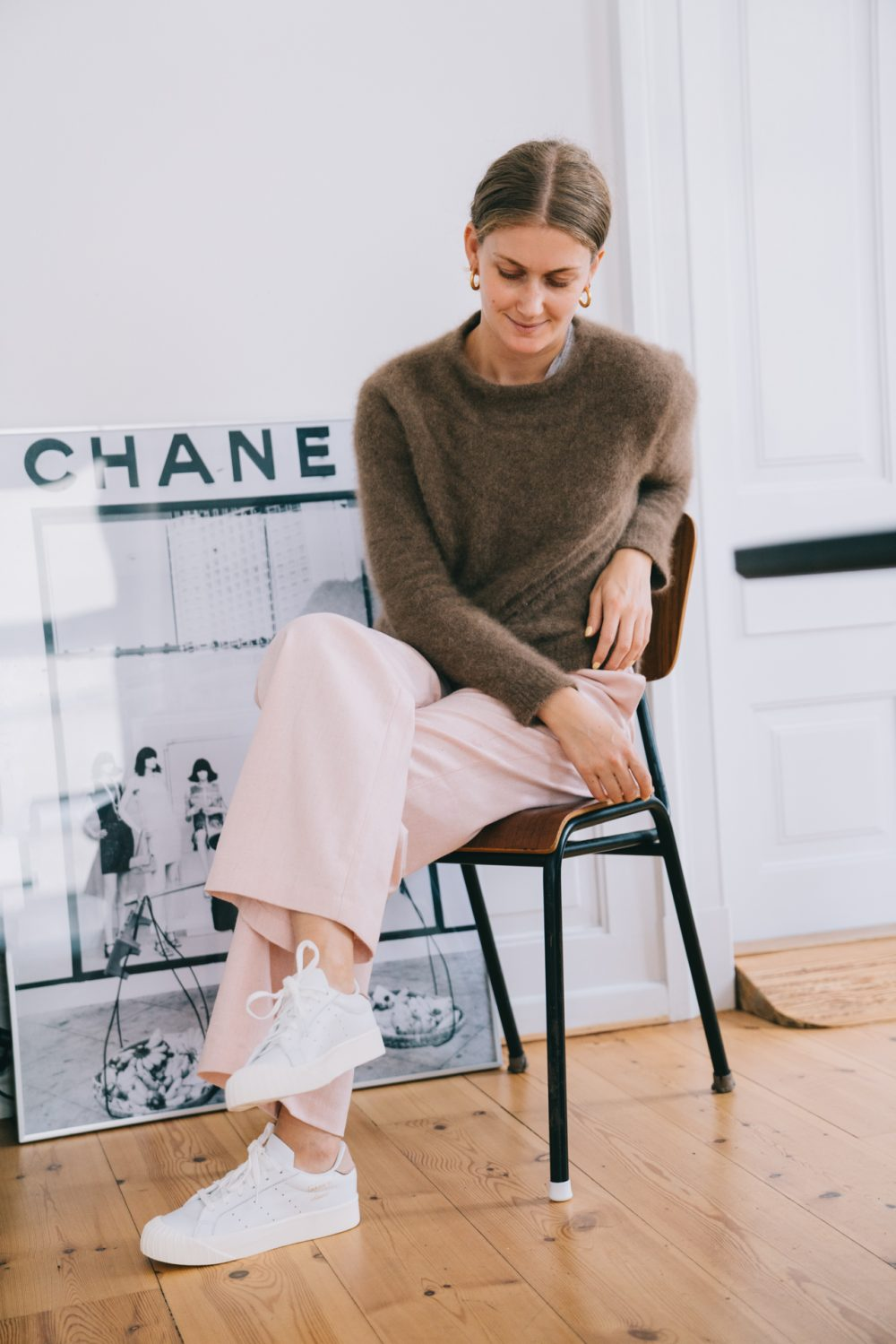 180126-adidas-everyn-womens-frede-office-chanel-pink-pants-04