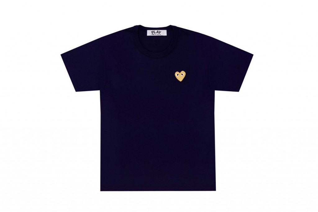 comme-des-garcons-play-gold-heart-tshirt-3-1260x840
