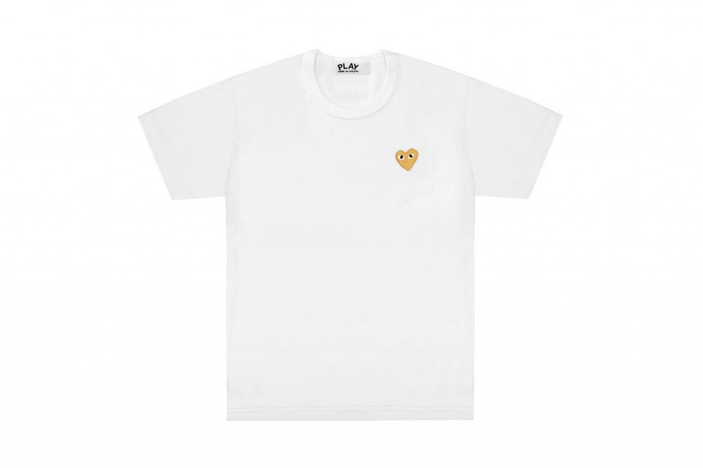 comme-des-garcons-play-gold-heart-tshirt-4-1260x840