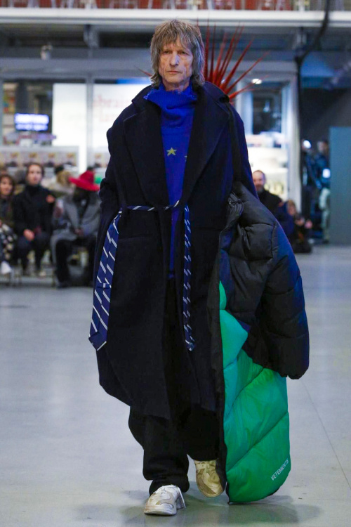 vetements-2017-spring-summer-couture-17