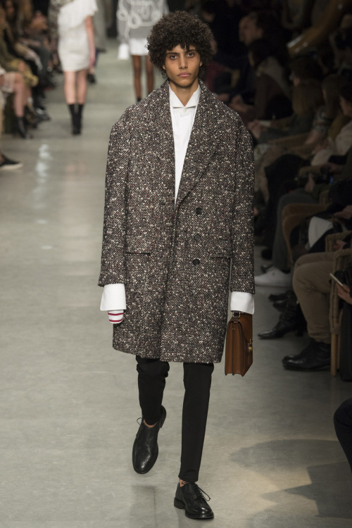 burberry-spring-2017-ready-to-wear-collection-21