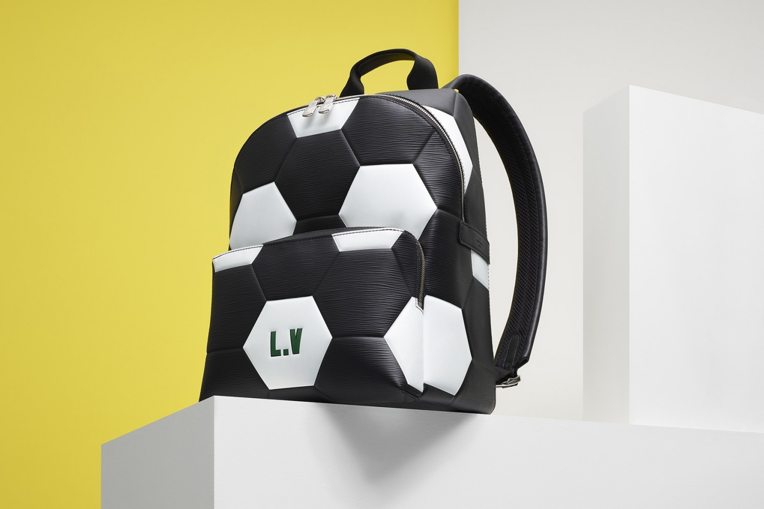 louis-vuitton-2018-fifa-world-cup-leather-accessories-4