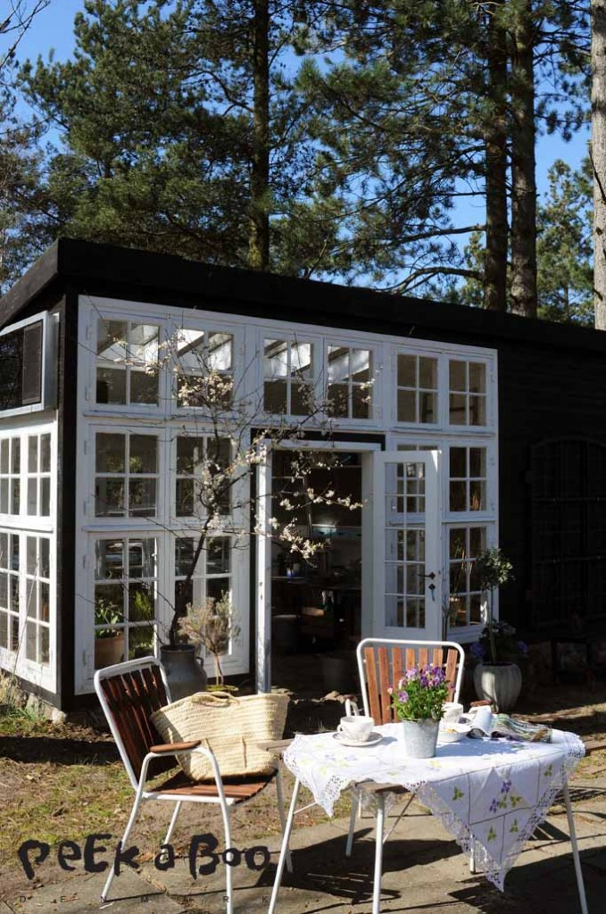 Drivhuset i sommerklær' af Peekaboo design